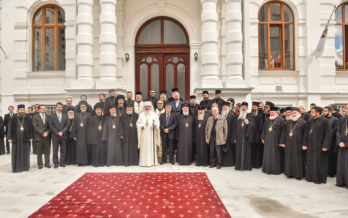 Opt ani de la întronizarea Patriarhului Daniel