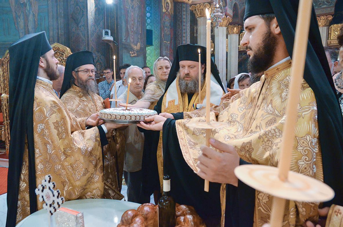 Pomenirea Patriarhilor Teoctist Arăpaşu şi Iustin Moisescu