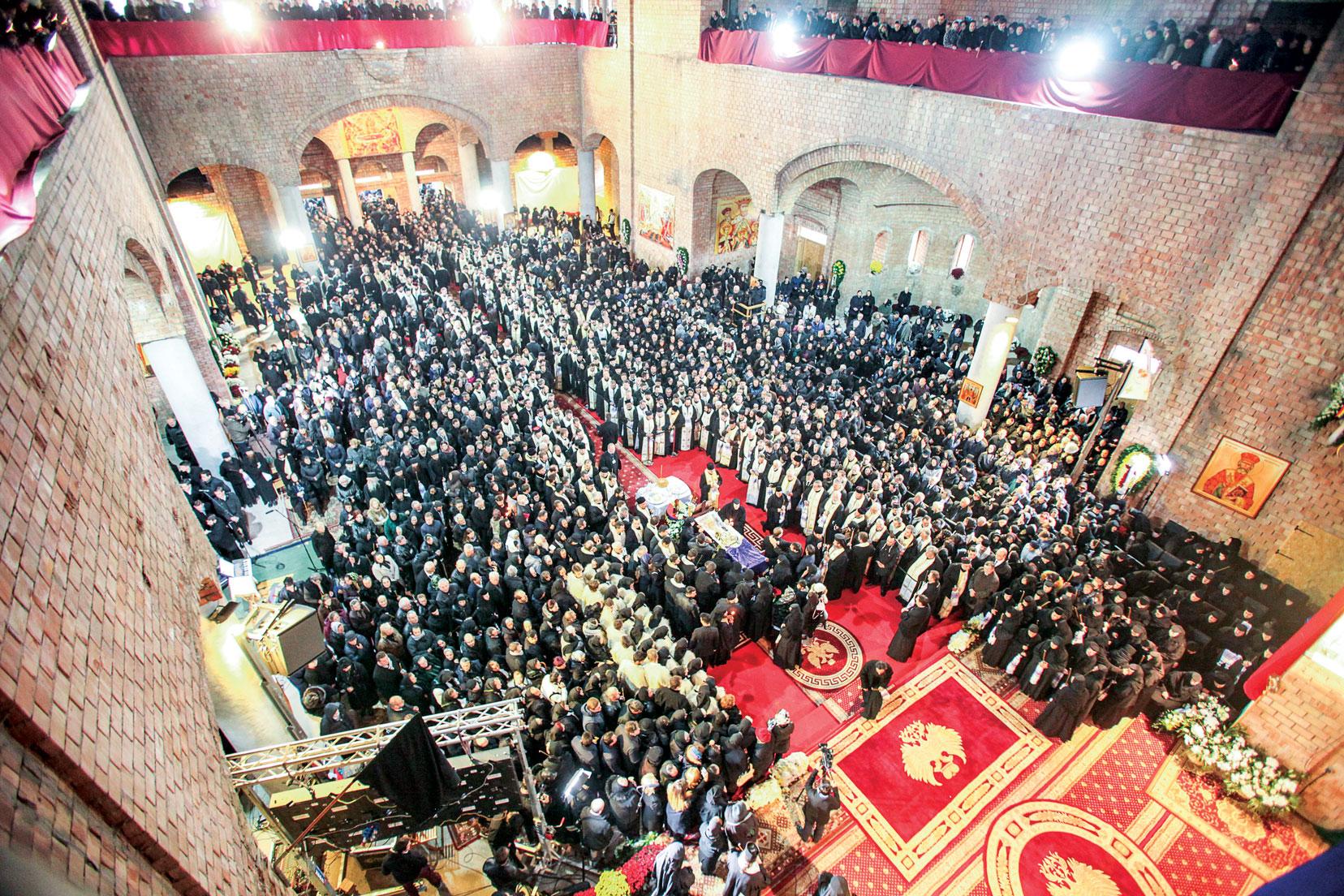 Înaltpreasfințitul Părinte Arhiepiscop Justinian al Maramureșului și Sătmarului a trecut la Domnul