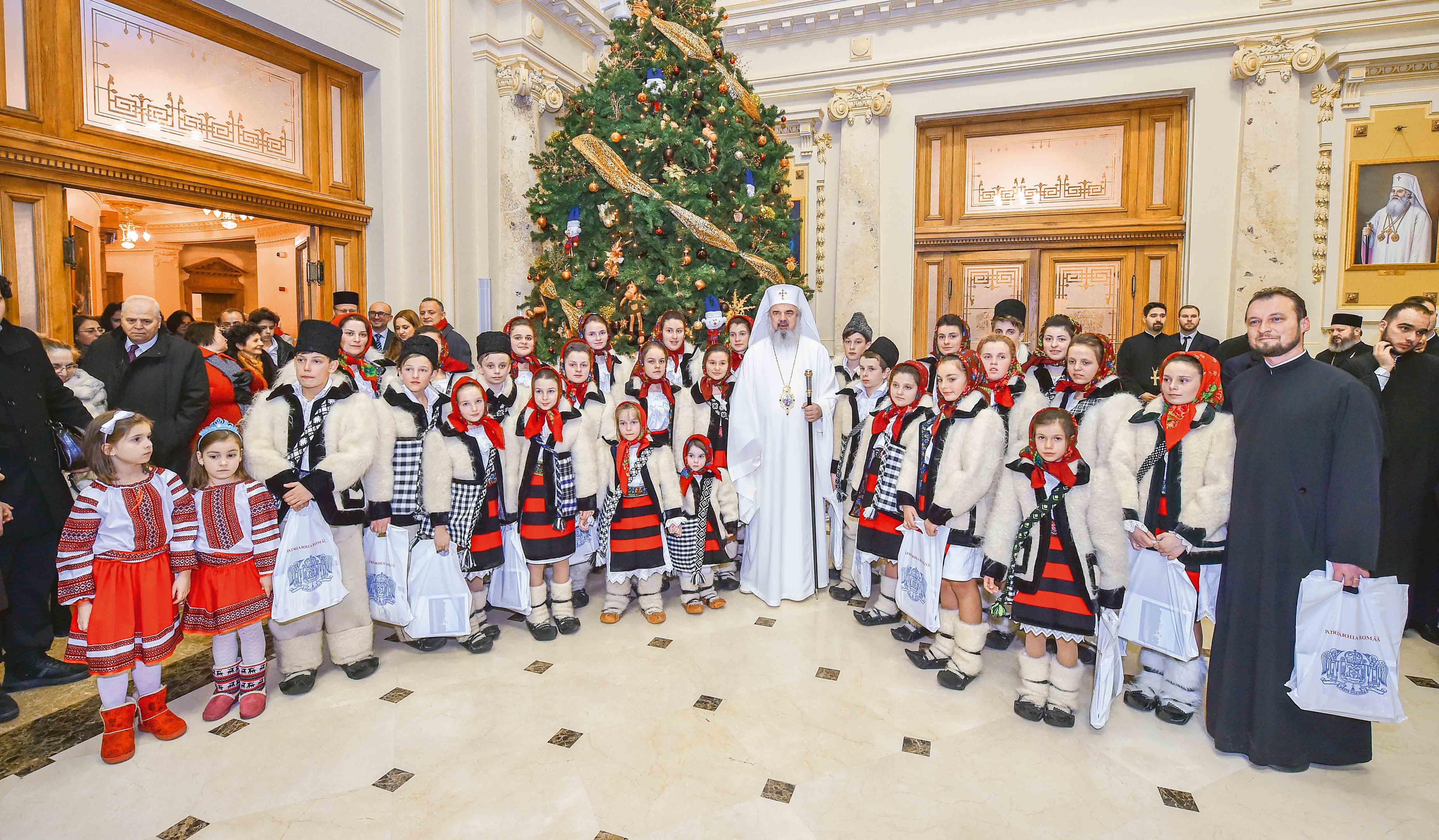 """""""Răsăritul cel de Sus"""", concertul de colinde al Patriarhiei Române"""
