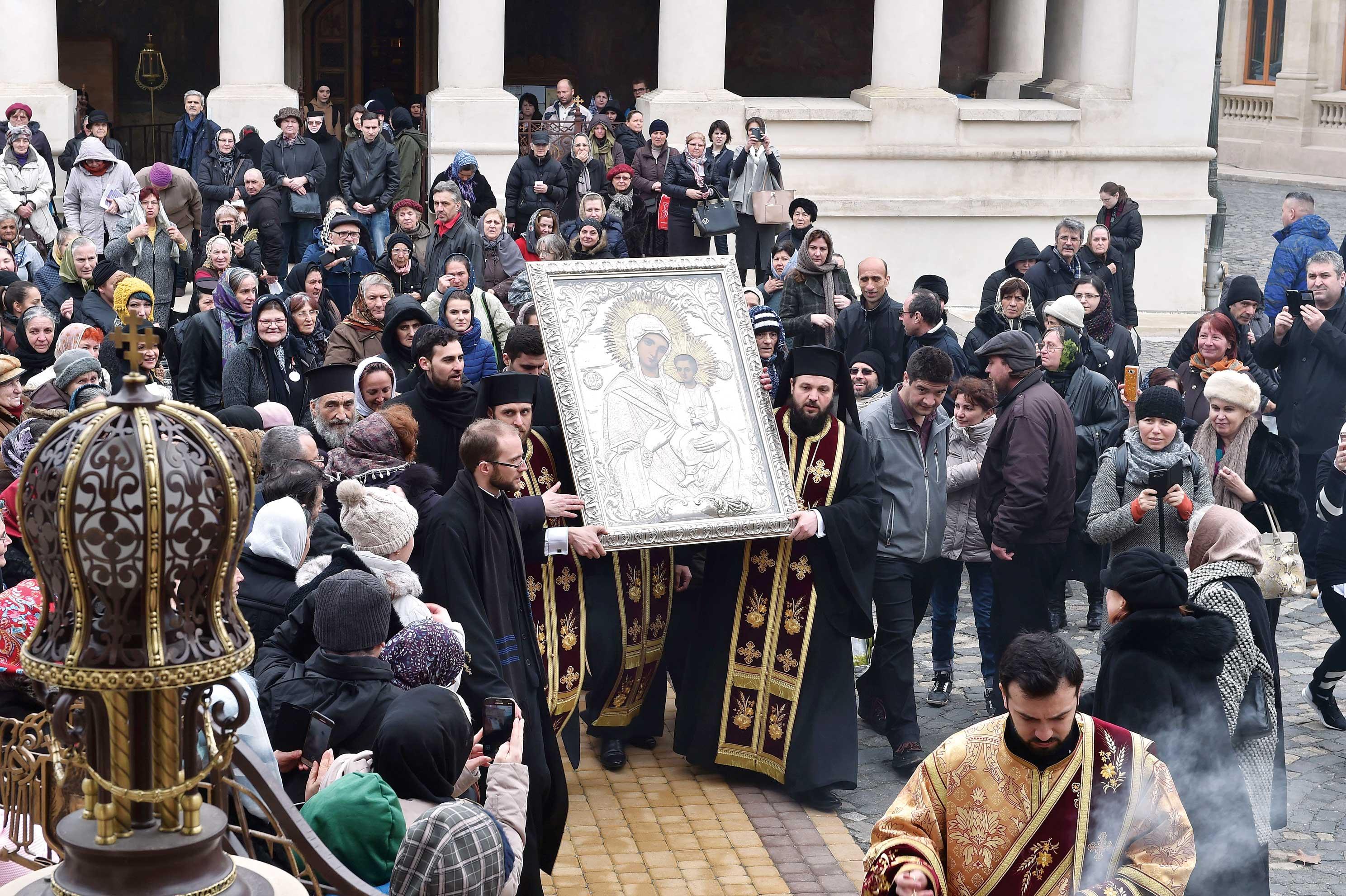 Sfânta icoană a Maicii Domnului Iordănița în România