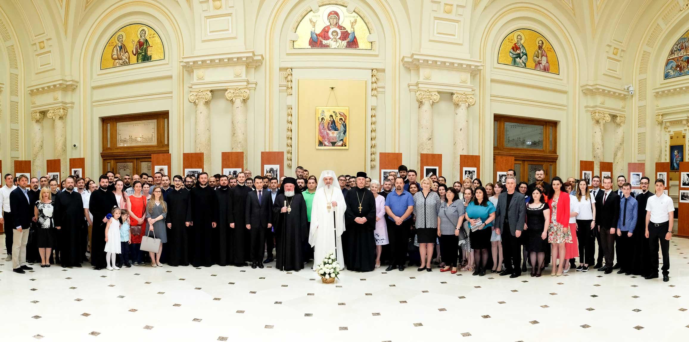 Jurnaliști creștini sub ocrotirea Sfintei Treimi