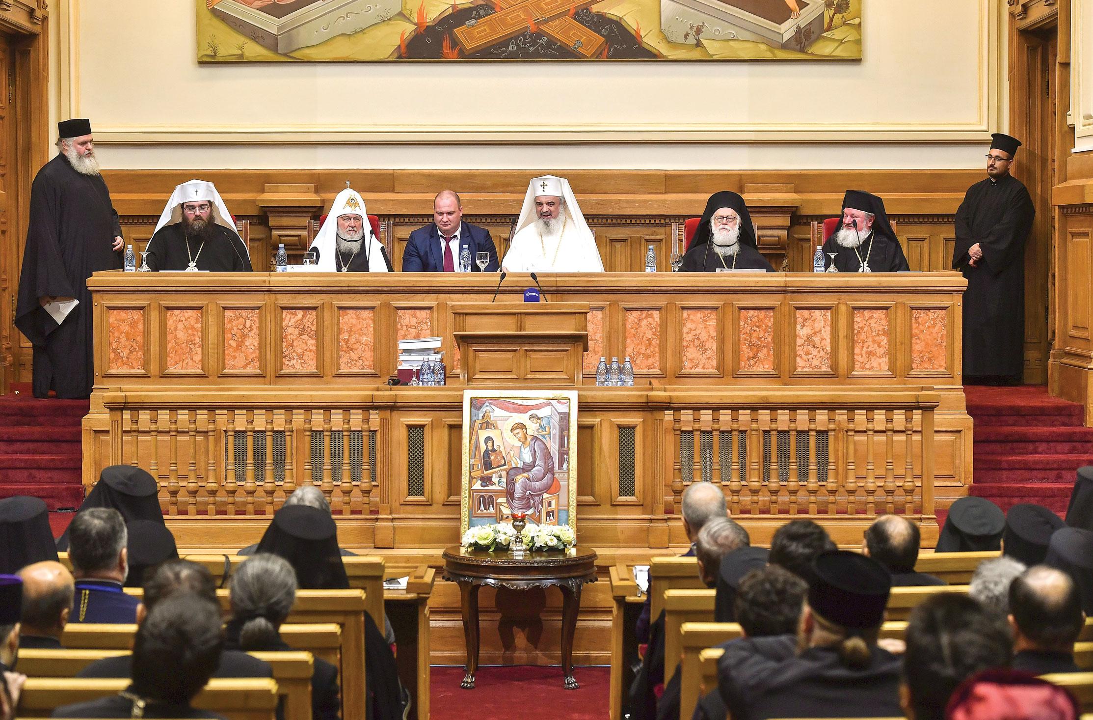Ședința solemnăa Sfântului Sinod dedicată mărturisirii credinței în timpul regimului comunist